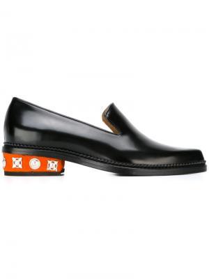 Лоферы на декорированном каблуке Toga. Цвет: чёрный