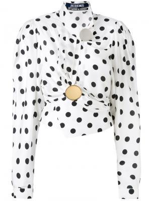 Драпированная блузка с узором в горох Jacquemus. Цвет: белый