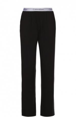 Хлопковые брюки на широкой резинке Calvin Klein. Цвет: черный