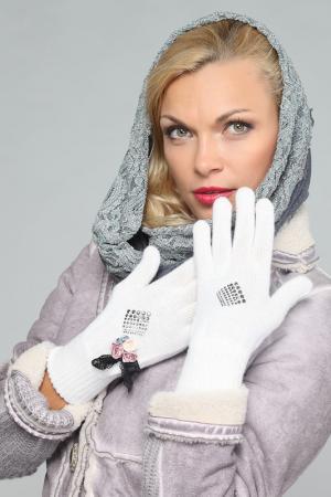 Перчатки LakMiss. Цвет: белый