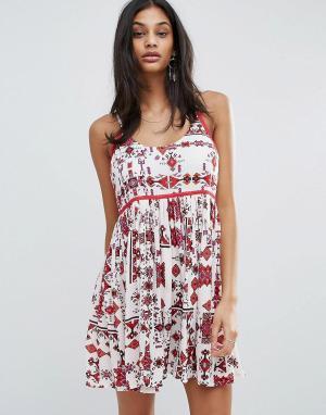 Raga Платье на бретельках с принтом Native Dreams. Цвет: красный