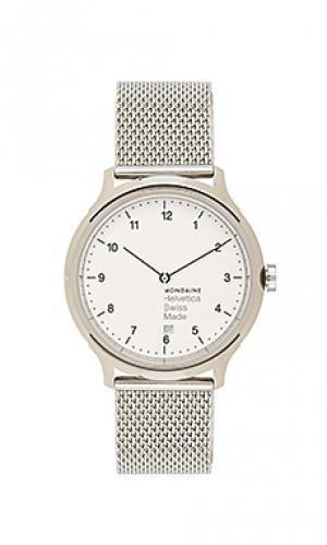 Часы helvetica no1 regular Mondaine. Цвет: металлический серебряный