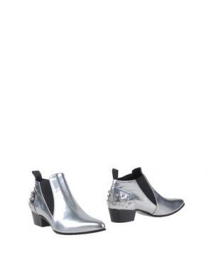 Полусапоги и высокие ботинки ROBERTO FESTA. Цвет: серебристый