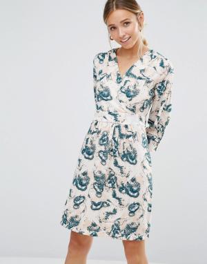Closet London Платье с длинными рукавами и голубым принтом. Цвет: кремовый