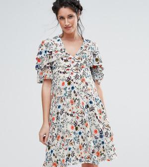Queen Bee Чайное платье с оборкой. Цвет: кремовый