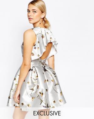 Hope and Ivy Атласное платье мини с цветочным принтом. Цвет: мульти