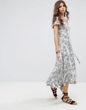 Lira Пляжное платье макси с цветочным принтом. Цвет: мульти