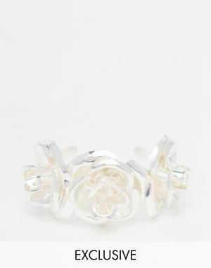 Mordekai Посеребренный браслет-манжет с розами. Цвет: серебряный