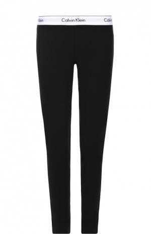 Спортивные леггинсы с контрастной отделкой и логотипом бренда Calvin Klein Underwear. Цвет: черный