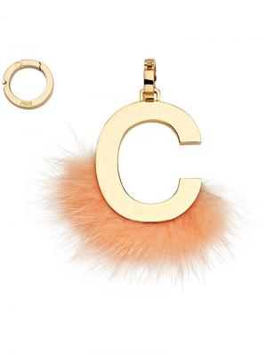 Подвеска в виде буквы C Fendi. Цвет: жёлтый и оранжевый