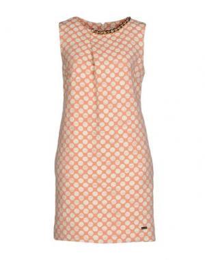 Короткое платье BABYLON. Цвет: телесный