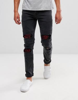 ASOS Черные джинсы скинни с красными вышитыми надписями. Цвет: черный