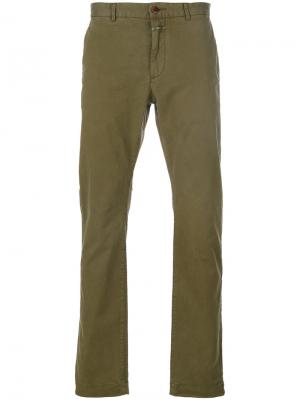 Классические брюки-чинос Closed. Цвет: зелёный