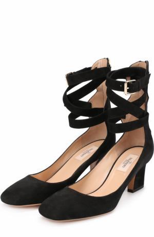 Замшевые туфли Plum с ремешками на щиколотке Valentino. Цвет: черный