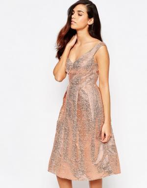 Lashes of London Платье миди для выпускного. Цвет: золотой