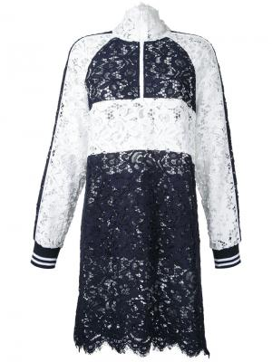 Платье-шифт с контрастными вставками Goen.J. Цвет: синий