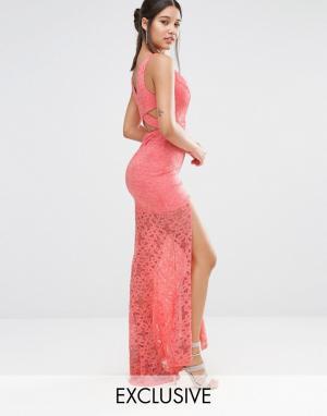 Love Triangle Кружевное платье макси с глубоким вырезом и шлейфом. Цвет: мульти
