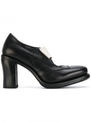 Туфли-лодочки с контрастным ремешком Cherevichkiotvichki. Цвет: none