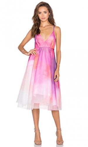 Платье hannah VIVIAN CHAN. Цвет: розовый