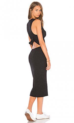 Платье с узлом сзади MONROW. Цвет: черный