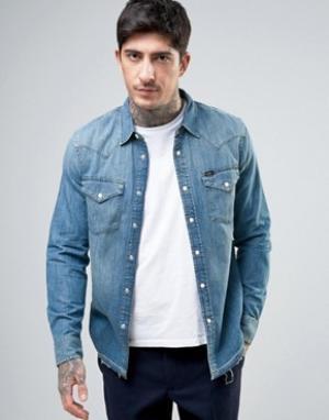Lee Приталенная джинсовая рубашка в стиле вестерн. Цвет: синий