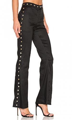 Расклешенные брюки с люверсами Frankie. Цвет: черный