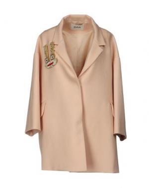 Пальто ISSA. Цвет: розовый