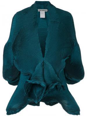 Плиссированный пиджак с короткими рукавами Issey Miyake. Цвет: зелёный
