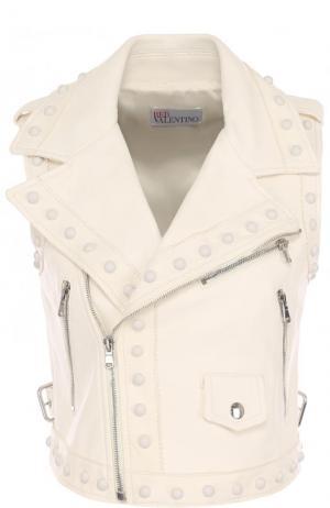Укороченный кожаный жилет с косой молнией REDVALENTINO. Цвет: кремовый