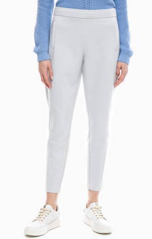 Однотонные зауженные брюки с карманами b.young. Цвет: серый