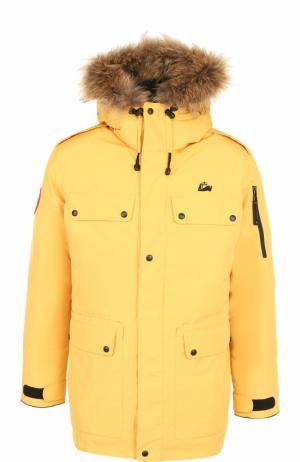 Пуховая парка POLUS с меховой отделкой капюшона Arctic Explorer. Цвет: желтый