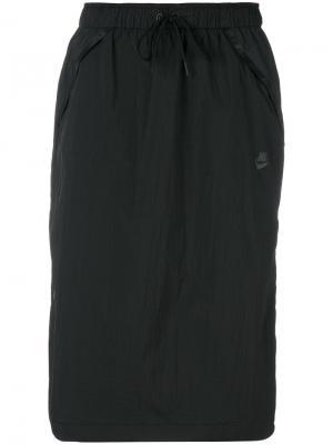 Спортивная юбка миди Nike. Цвет: чёрный