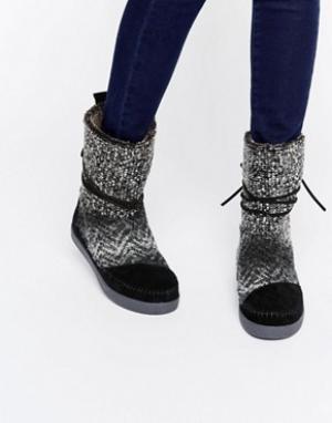 Toms Черно-белые туфли. Цвет: черный