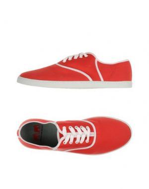 Низкие кеды и кроссовки TWINS FOR PEACE. Цвет: красный
