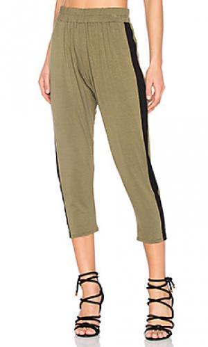 Спортивные брюки Clayton. Цвет: оливковый