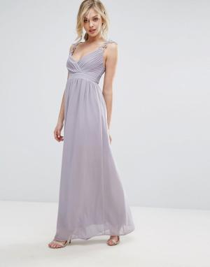 Club L Плиссированное платье макси с ажурными бретельками Bridesmaid. Цвет: серый