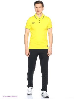 Футболка Umbro. Цвет: желтый