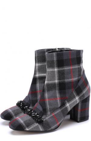 Текстильные ботильоны с кристаллами на устойчивом каблуке No. 21. Цвет: серый