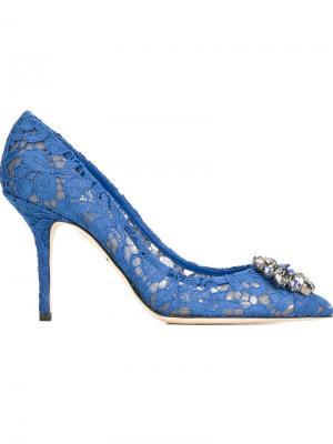 Декорированные кружевные туфли Dolce & Gabbana. Цвет: синий