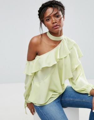 ASOS Блузка с оборками и открытым плечом. Цвет: зеленый