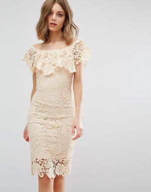 Paper Dolls Платье миди с открытыми плечами. Цвет: кремовый