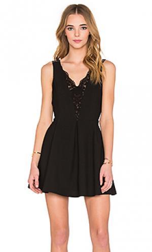 Кружевное платье с v-образным вырезом IKKS Paris. Цвет: черный