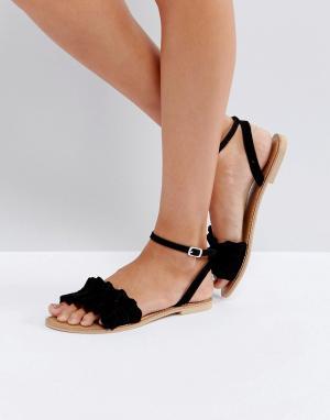 Faith Замшевые сандалии с оборками. Цвет: черный