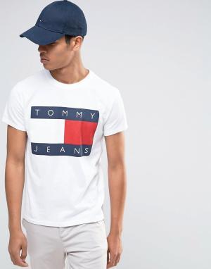 Tommy Jeans Белая футболка в стиле 90‑х. Цвет: белый