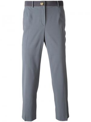 Классические брюки Salvatore Ferragamo. Цвет: серый