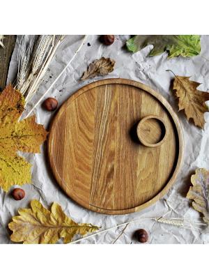 Тарелка - поднос круглая (D26) с соусником На дубе том. Цвет: коричневый