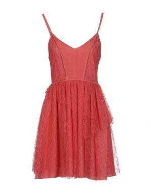 Короткое платье BETTY BLUE. Цвет: коралловый