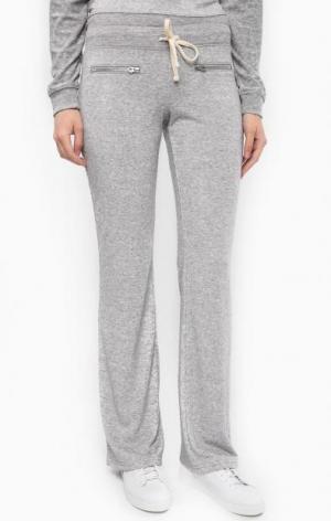 Расклешенные серые брюки на резинке Juicy by Couture. Цвет: серый