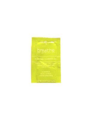 Мягкий и нежный очищающий гель для жирной комбинированной кожи Breathe. Цвет: белый