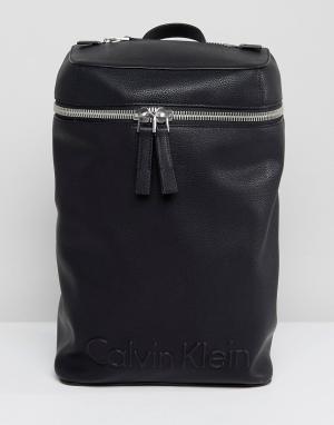 Calvin Klein Рюкзак с молнией и тисненным логотипом. Цвет: черный